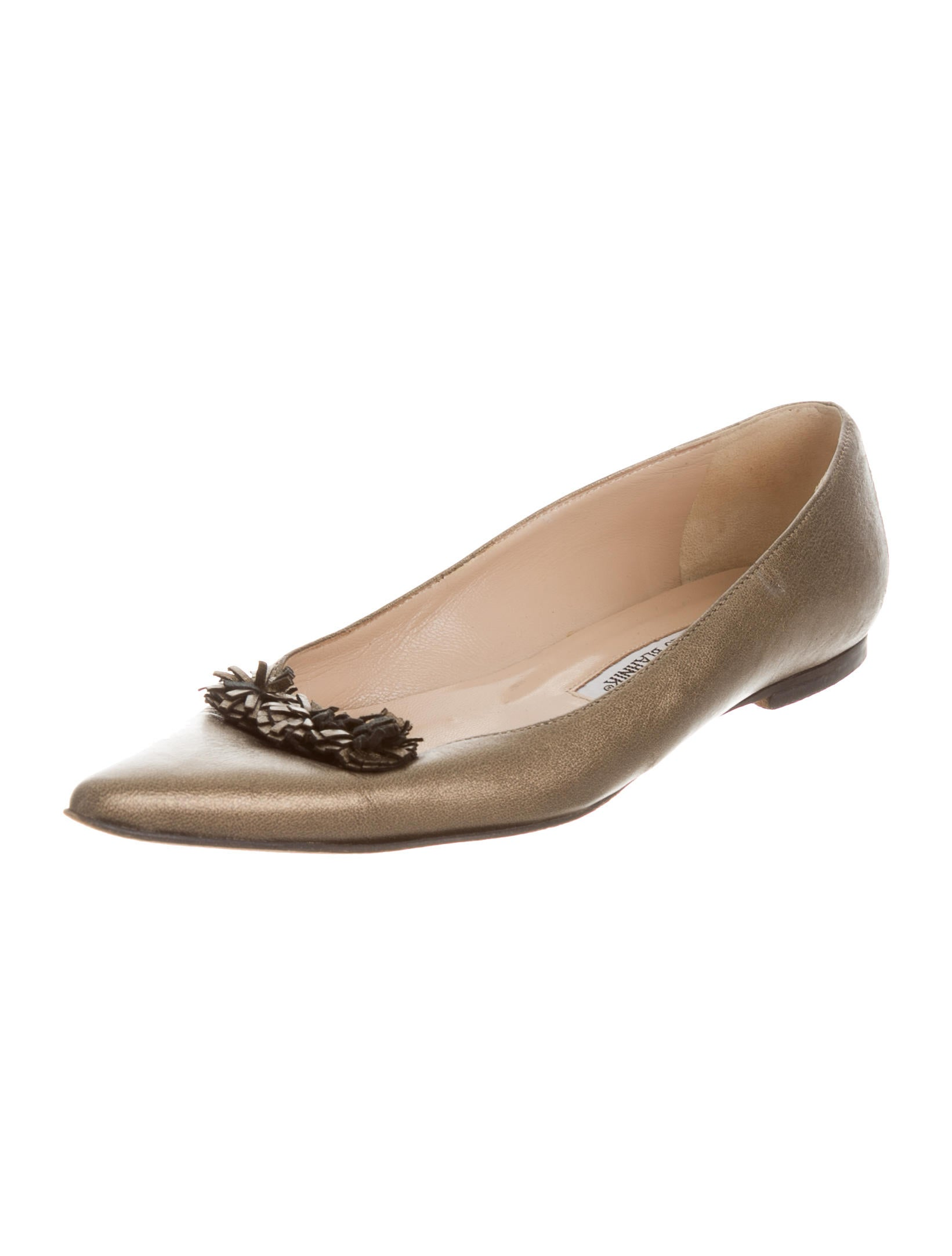 Manolo blahnik metallic pointed toe flats shoes for Shoes by manolo blahnik