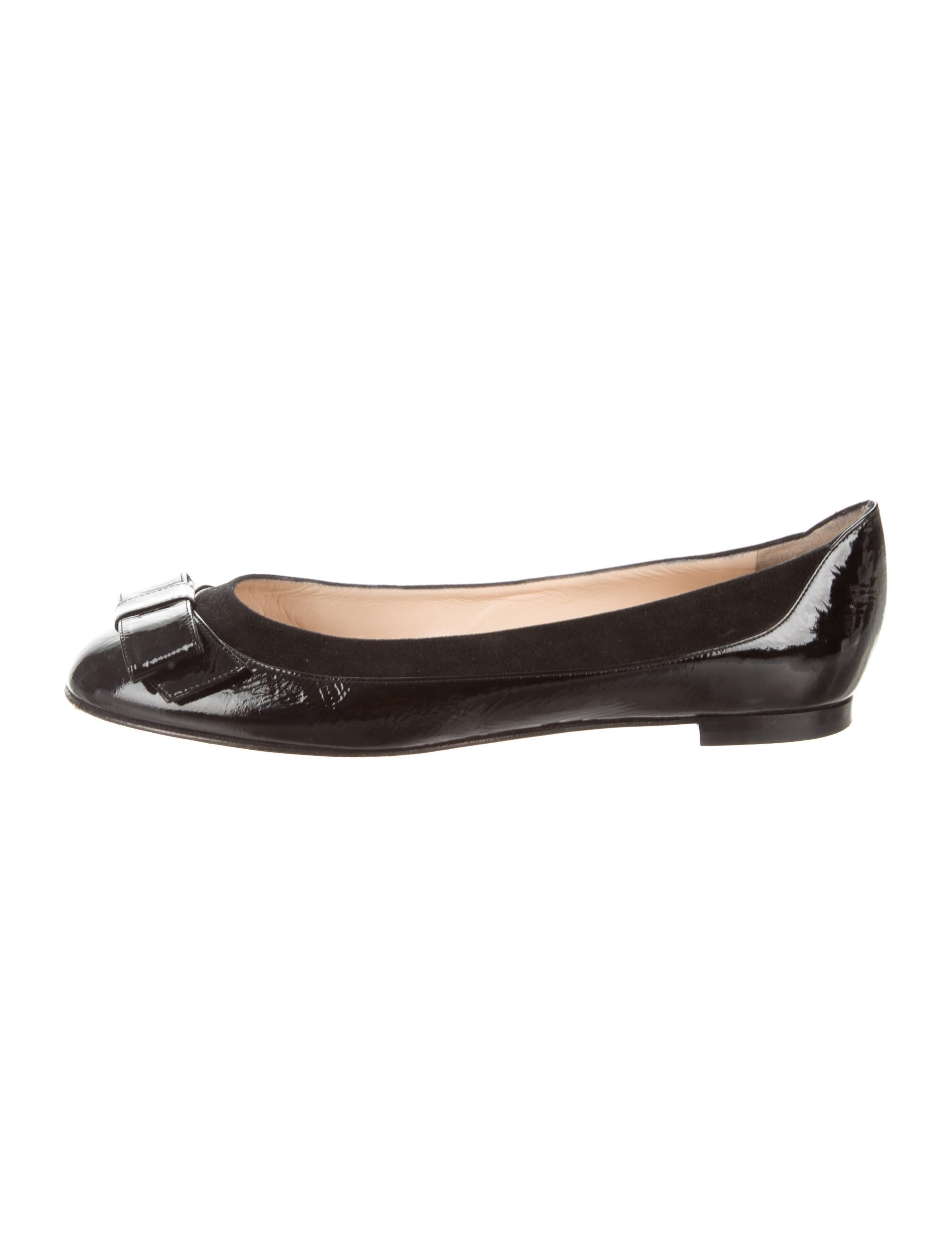 manolo blahnik suede accented patent leather flats shoes