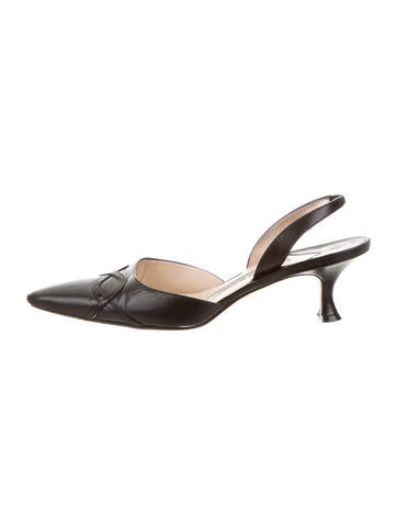 Manolo Blahnik Carolyne Leather Pumps