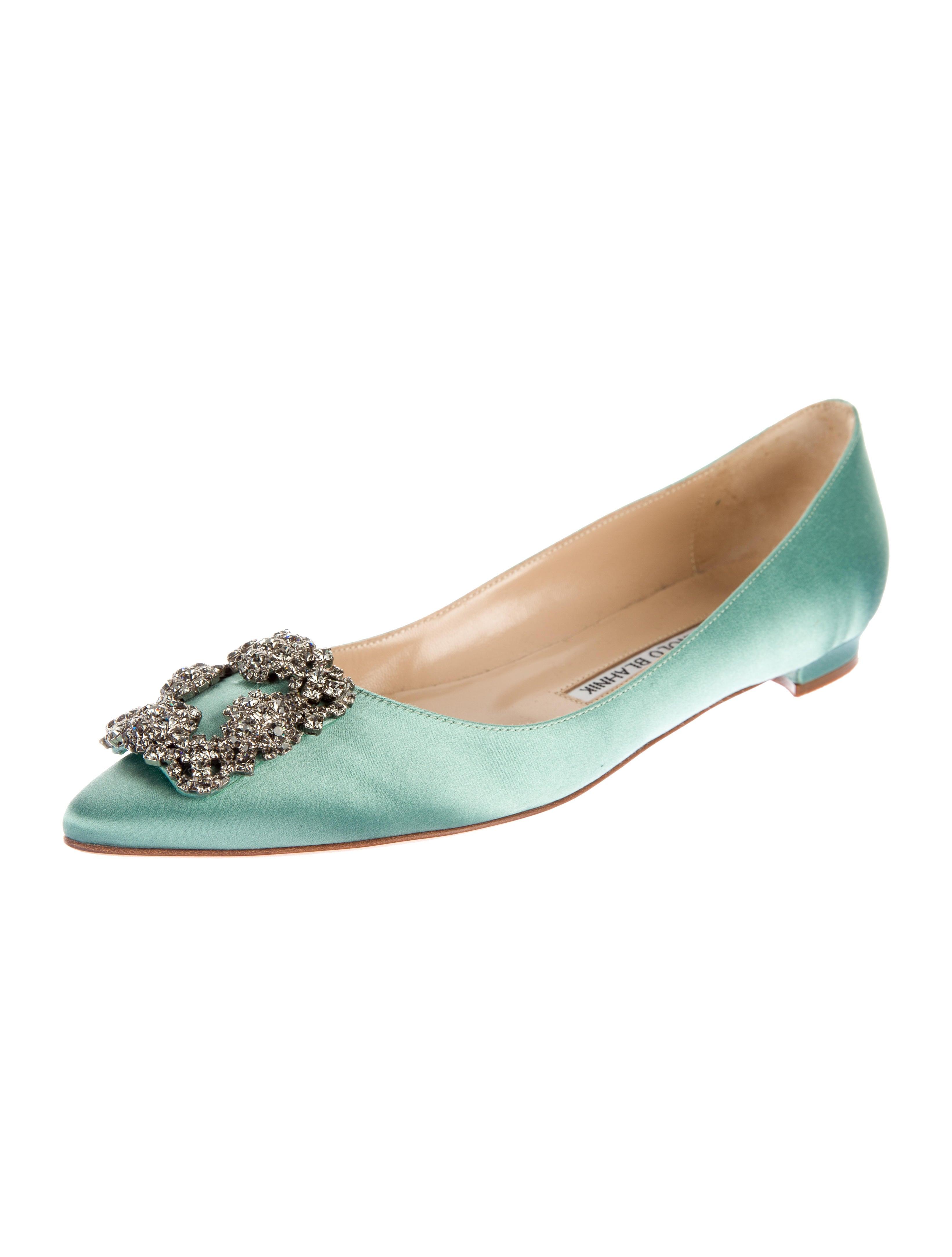 Manolo Blahnik Hangisi Satin Flats Shoes Moo61405