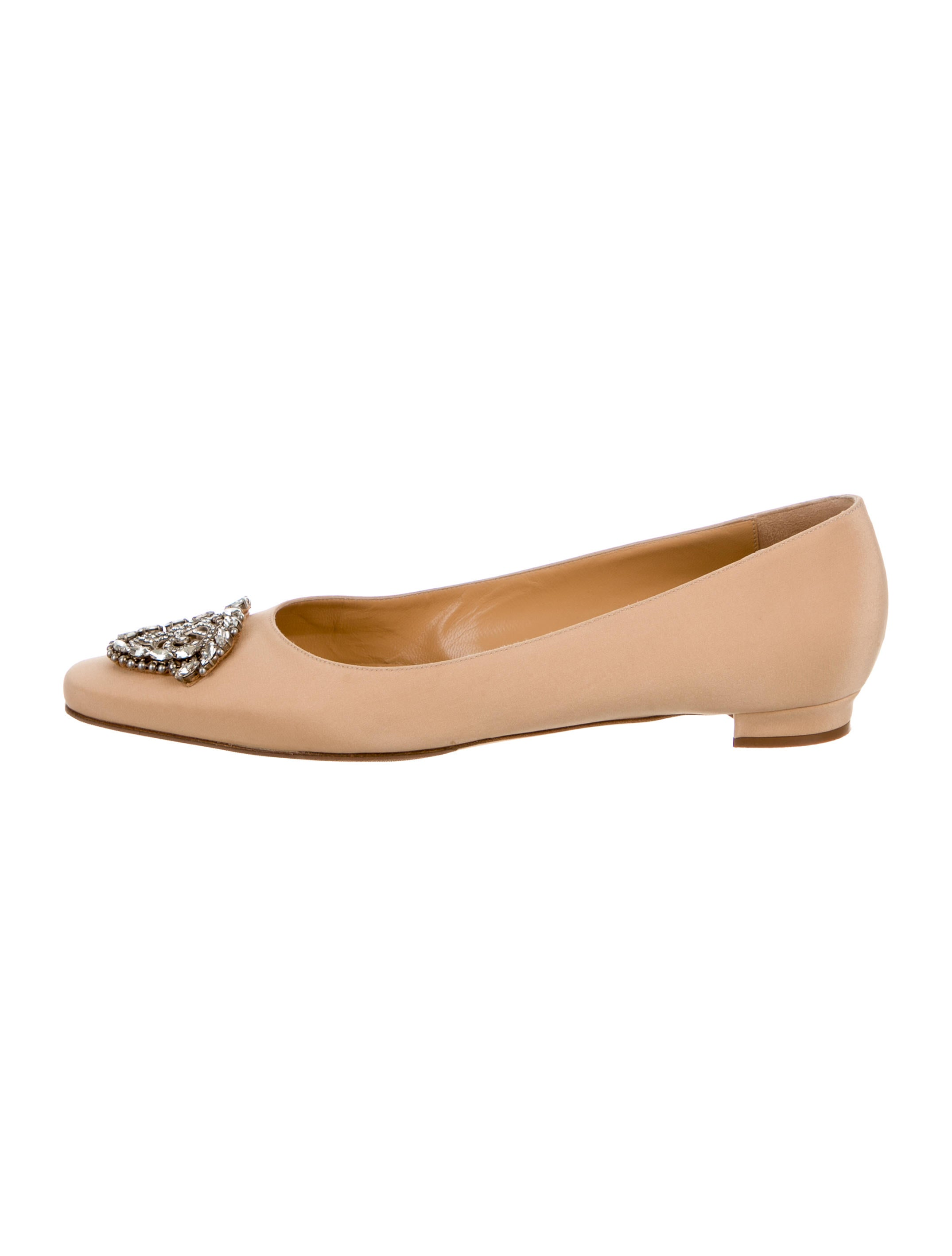 Manolo blahnik okkato satin flats shoes moo61484 the for Shoes by manolo blahnik