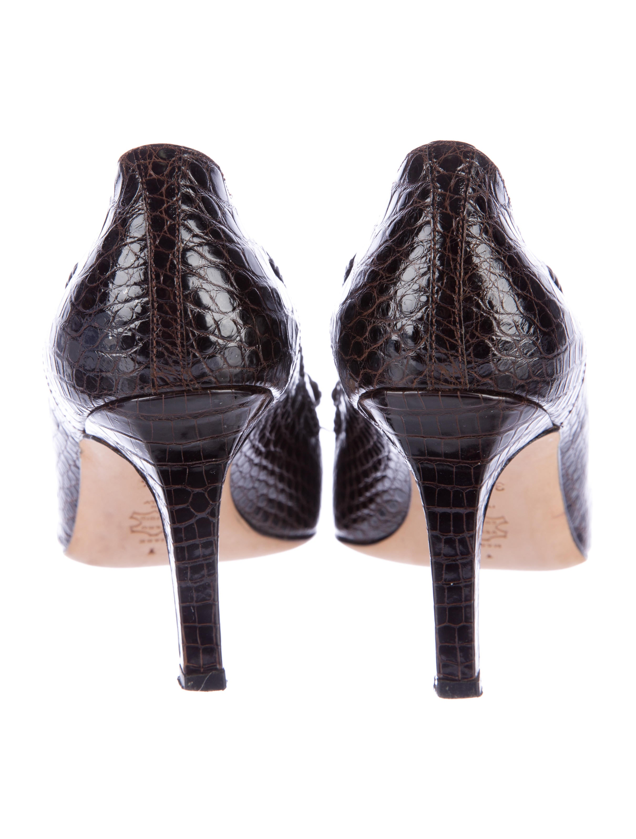 Manolo Blahnik Bow Accented Alligator Pumps Shoes
