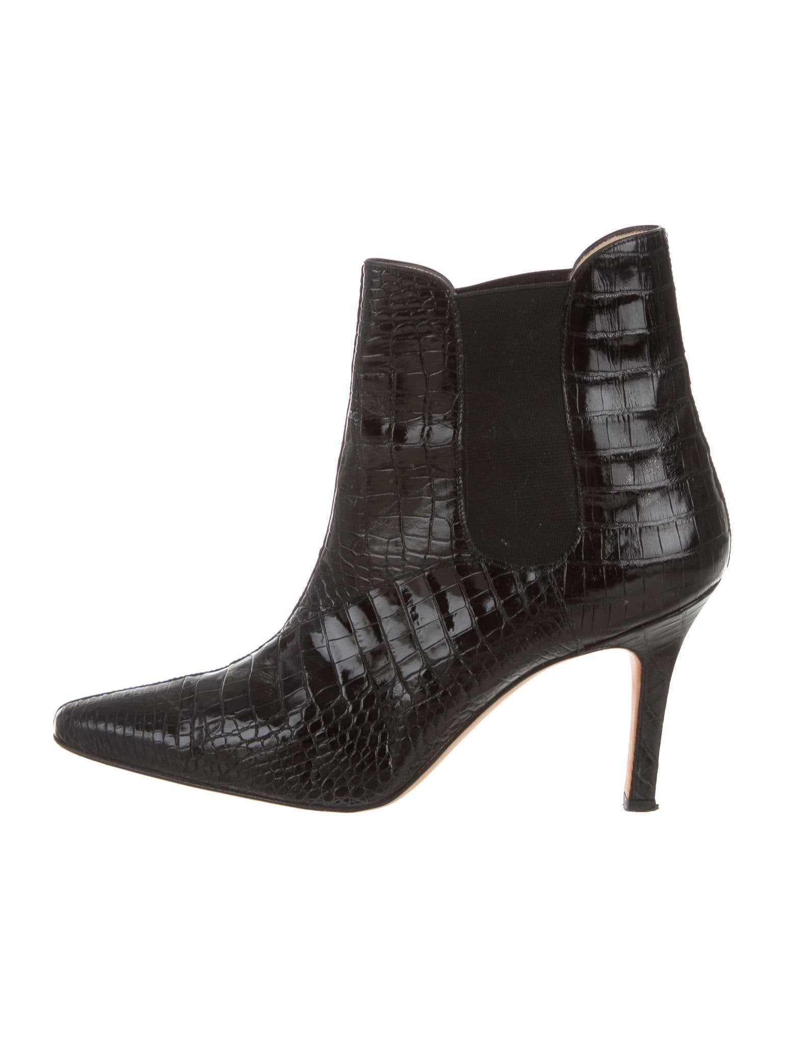 Manolo Blahnik Alligator Pointed-Toe Ankle Boots discount big discount finishline cheap Inexpensive view W18WQY