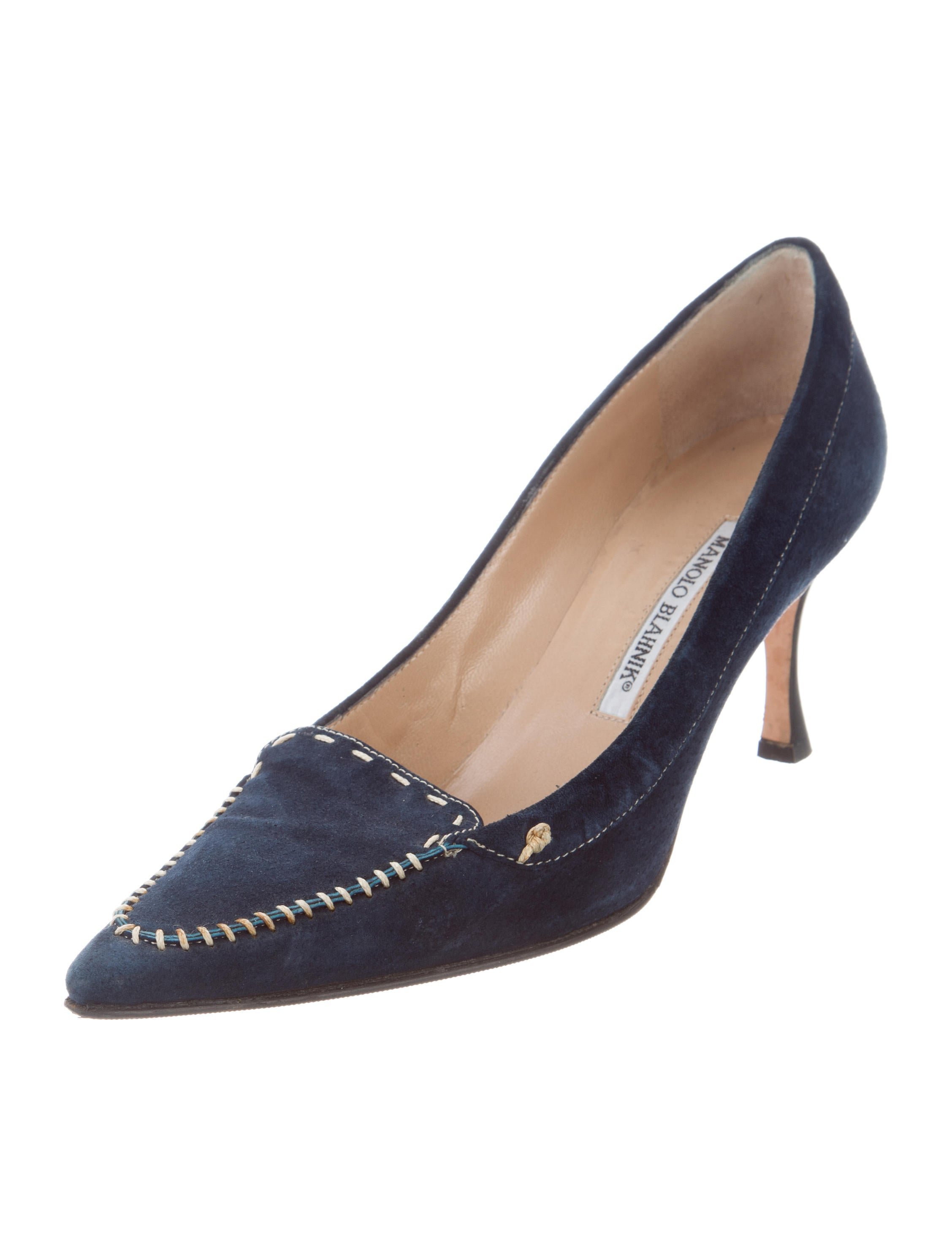 Manolo blahnik pointed toe pumps shoes moo71578 the for Shoes by manolo blahnik