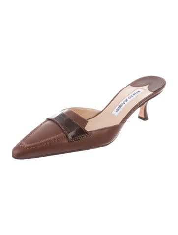 Manolo Blahnik Alligator-Trimmed Leather Mules outlet buy cheap sale Inexpensive free shipping largest supplier cheap sale store jMOdqBF