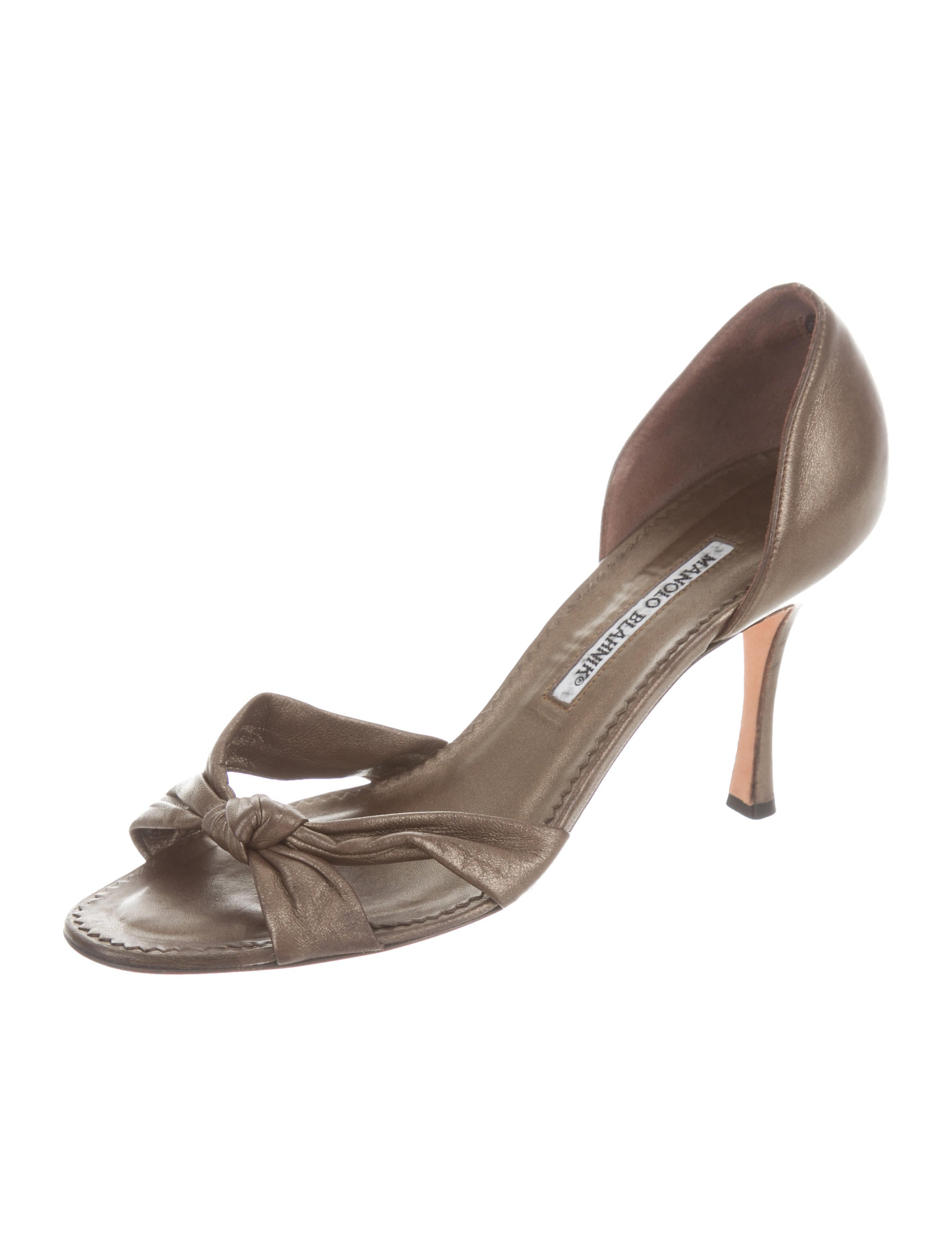 Manolo Blahnik Leather Knot-Accented Pumps 100% guaranteed online for sale cheap price from china sale discount clearance recommend rFtMp0