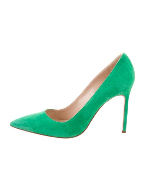 33ac9f2e99 Manolo Blahnik Suede BB Pumps - Shoes - MOO90401 | The RealReal