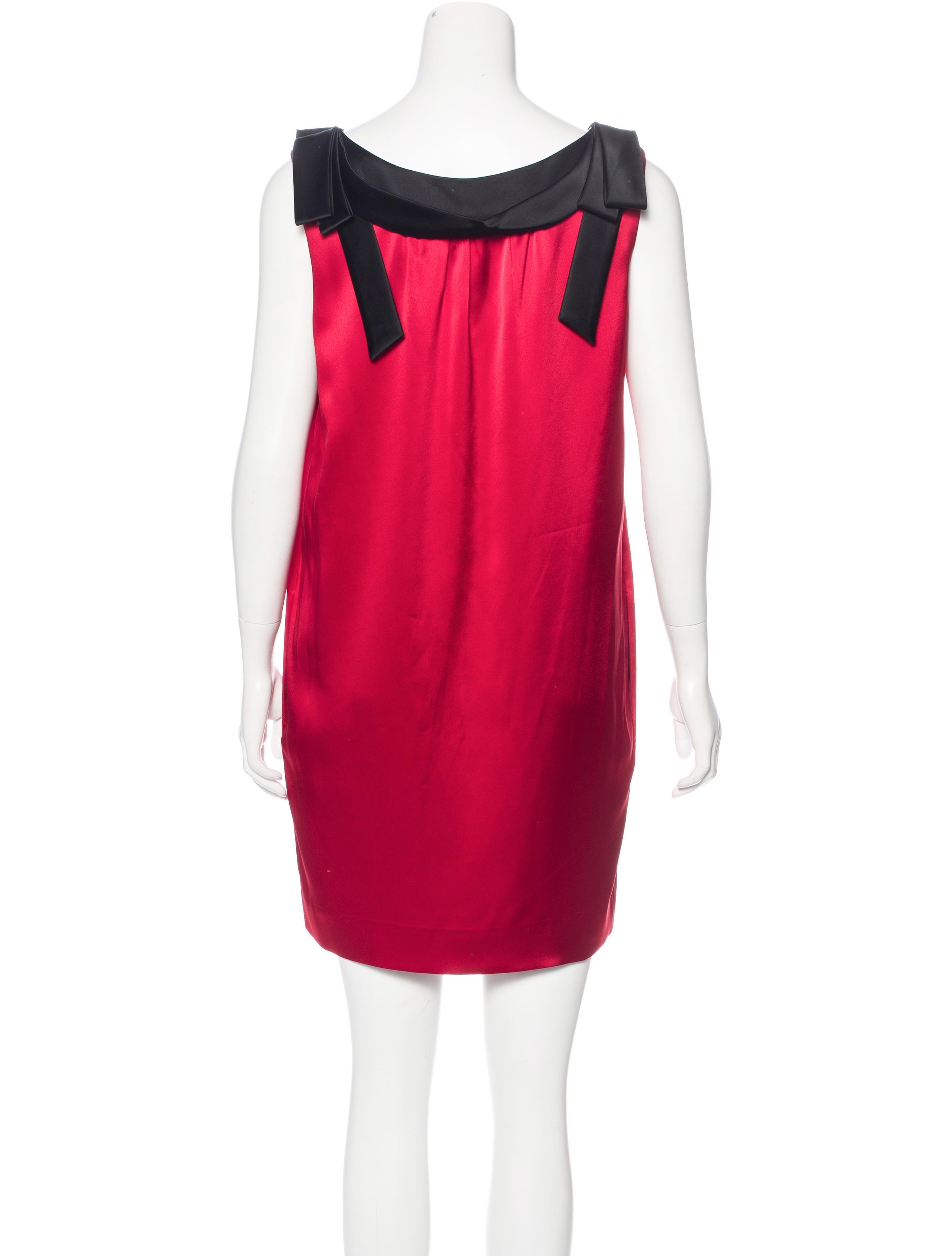 moschino sleeveless shift dress clothing mos27844
