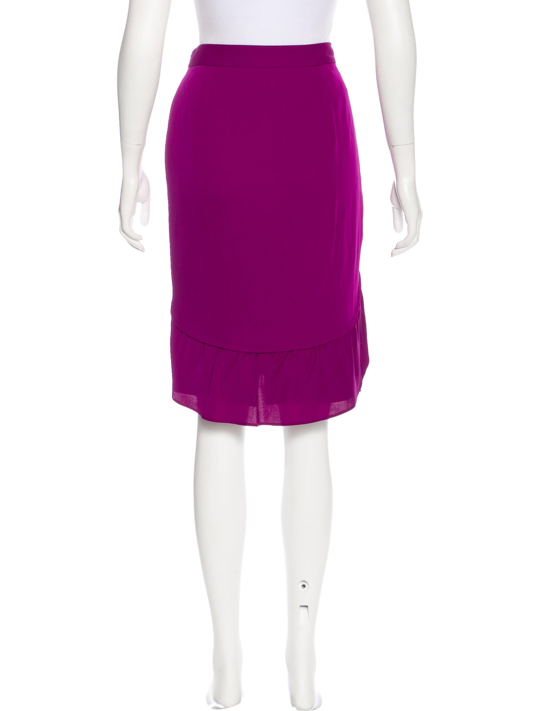 Find knee length pencil skirt at ShopStyle. Shop the latest collection of knee length pencil skirt from the most popular stores - all in one place.