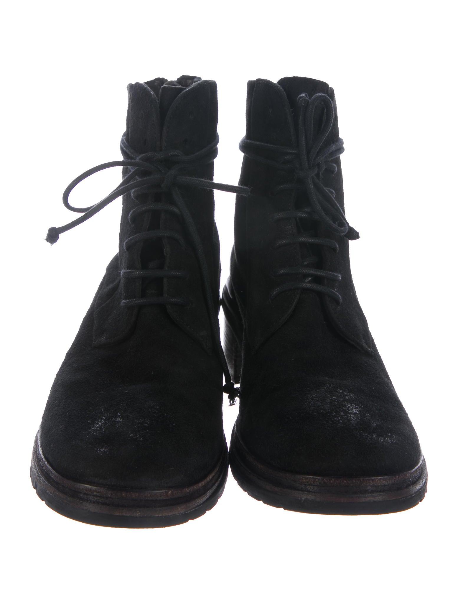 how to break in suede combat boots