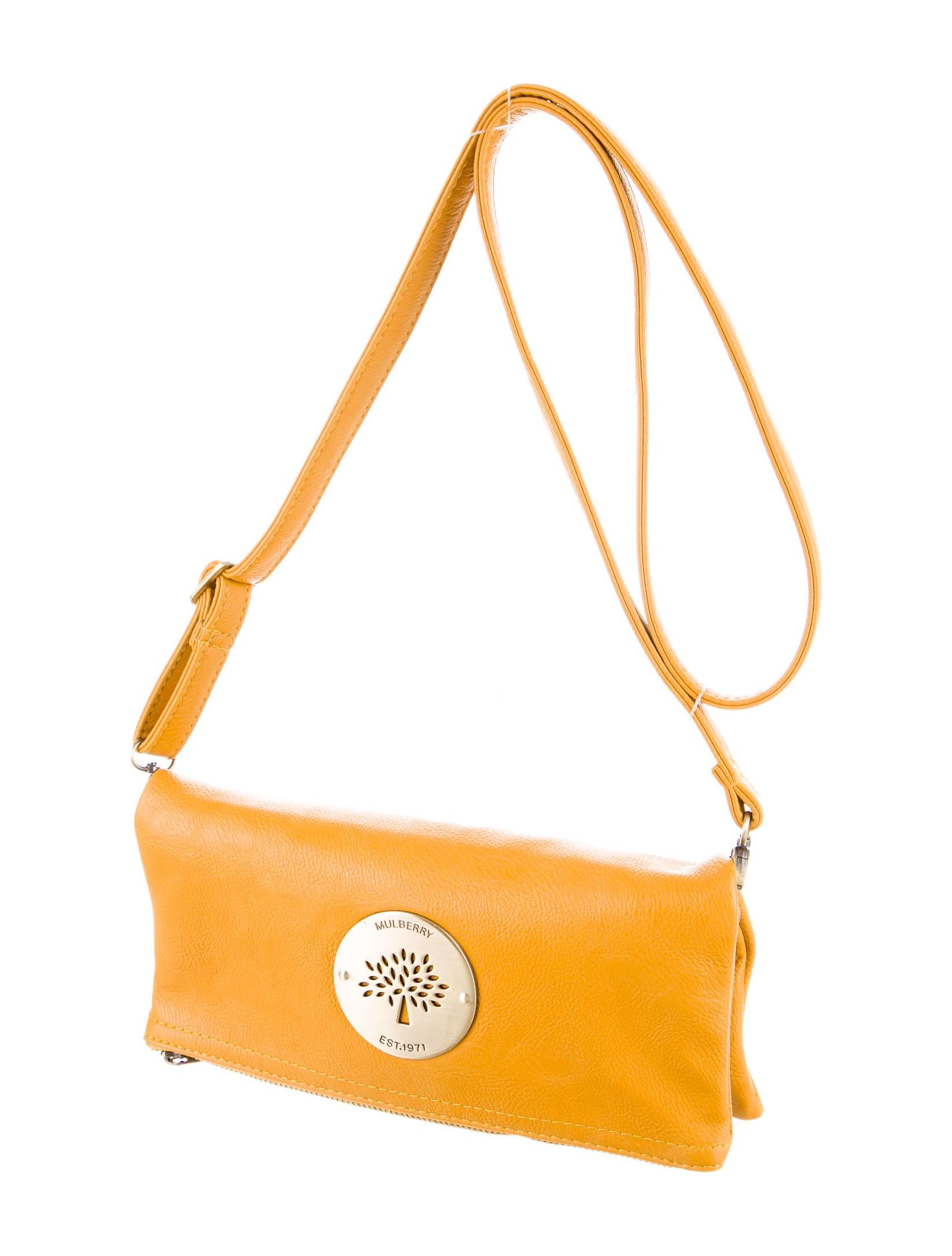 de43af955da shop mulberry daria clutch handbags mul21071 the realreal 5b526 2746e