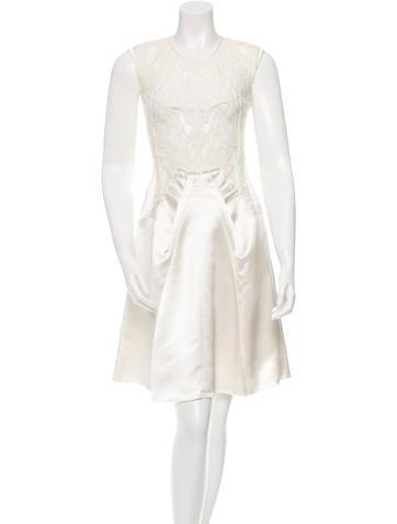 Nina Ricci Lace Sleeveless Dress None