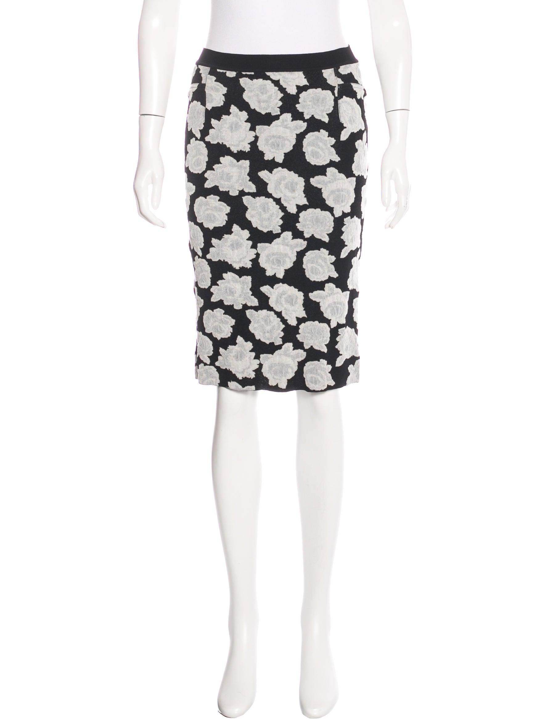 ricci floral knee length skirt clothing nin25464