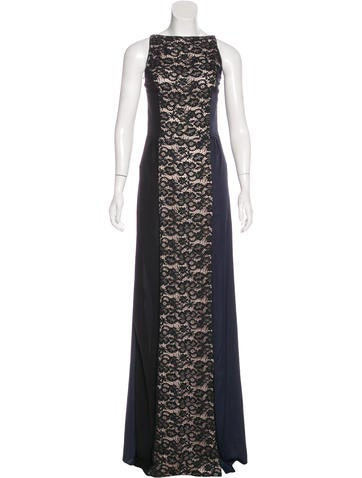 Nina Ricci Sleeveless Lace Gown None
