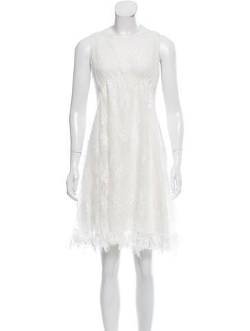 Nina Ricci Sleeveless Lace Dress None