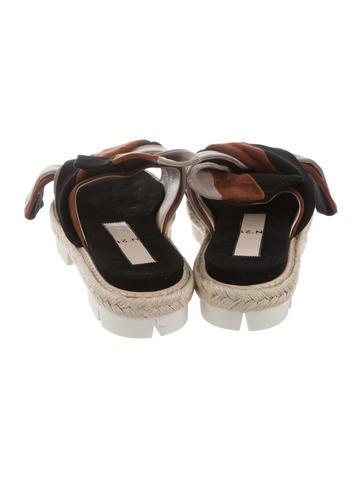 Suede Flatform Sandals