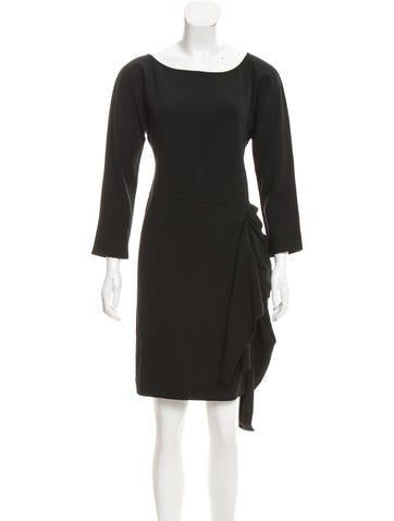 No. 21 Knee-Length Three-Quarter Sleeve Dress None