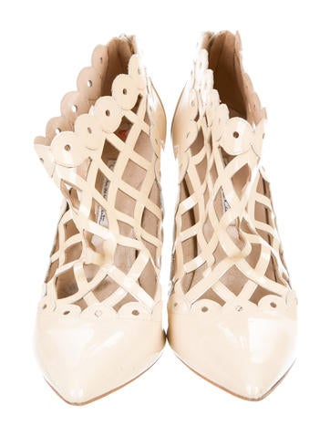 Pointed-Toe Cage Booties