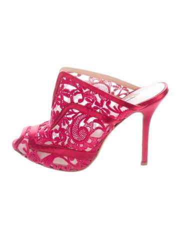 Oscar de la Renta Lace Slide Sandals