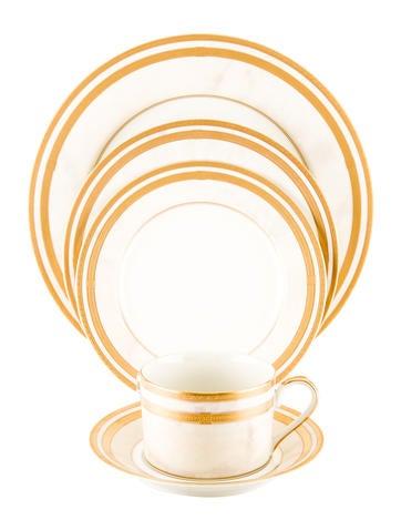 Oscar de la Renta 68-Piece Ivory Florentine Tableware None