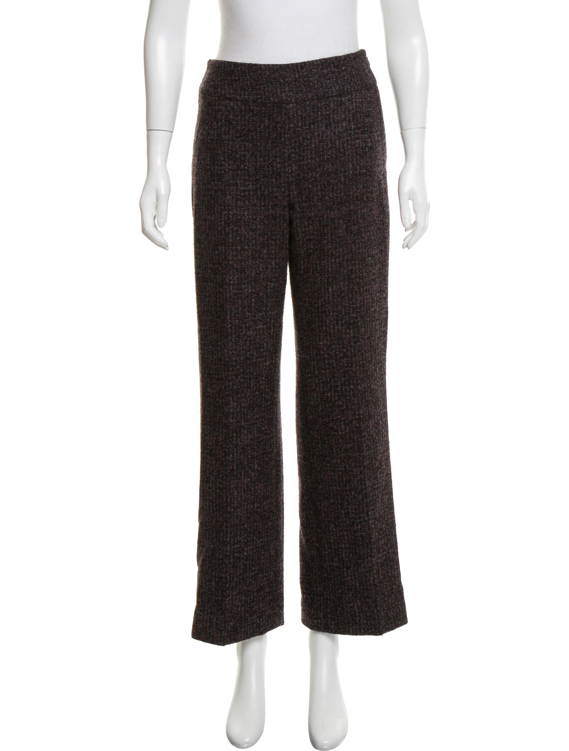 Oscar De La Renta Tweed Mid Rise Pants besides Tour Tory Burchs House H tons likewise Id V 267452 likewise Worlds Largest Collection Of Haute Couture Barbies To Exhibit In Montreal further Editors Pick Sophia Webster Leilou Stripe Leather Suede Canvas Sandals. on oscar de la renta furniture collection