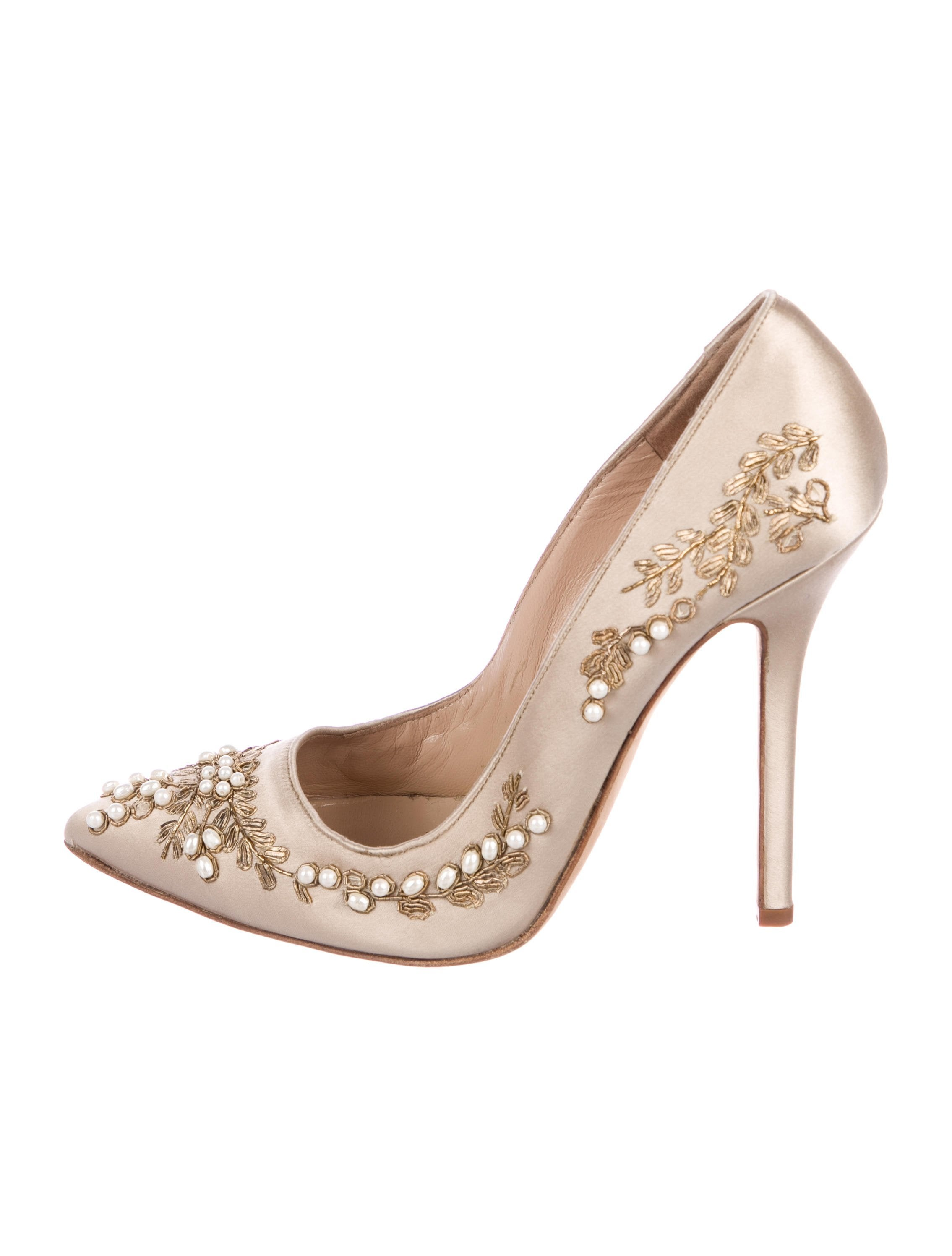 430ff3ed1e7b Oscar de la Renta Satin Embellished Pumps - Shoes - OSC83170
