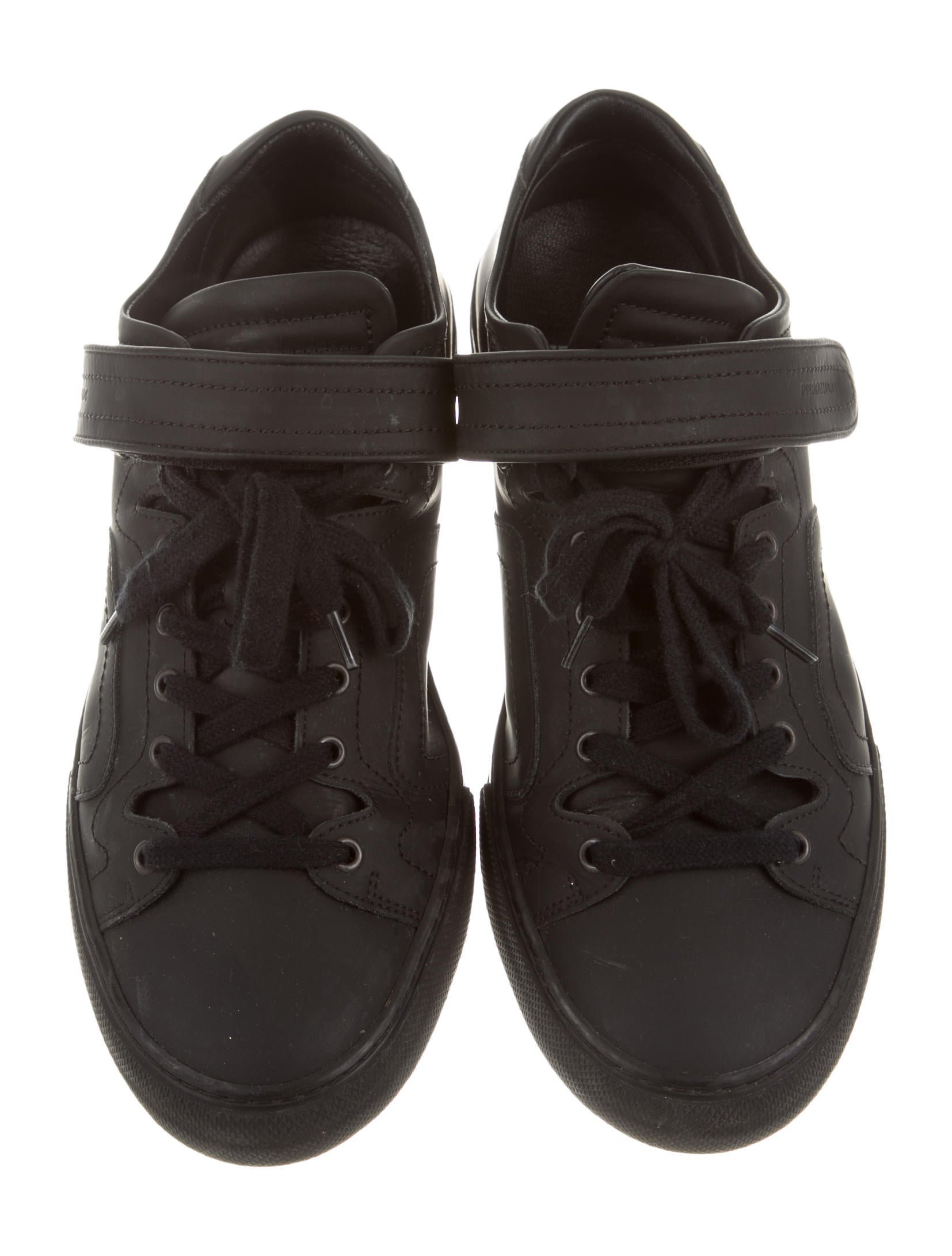 pierre hardy leather low top sneakers shoes pie22918 the realreal. Black Bedroom Furniture Sets. Home Design Ideas