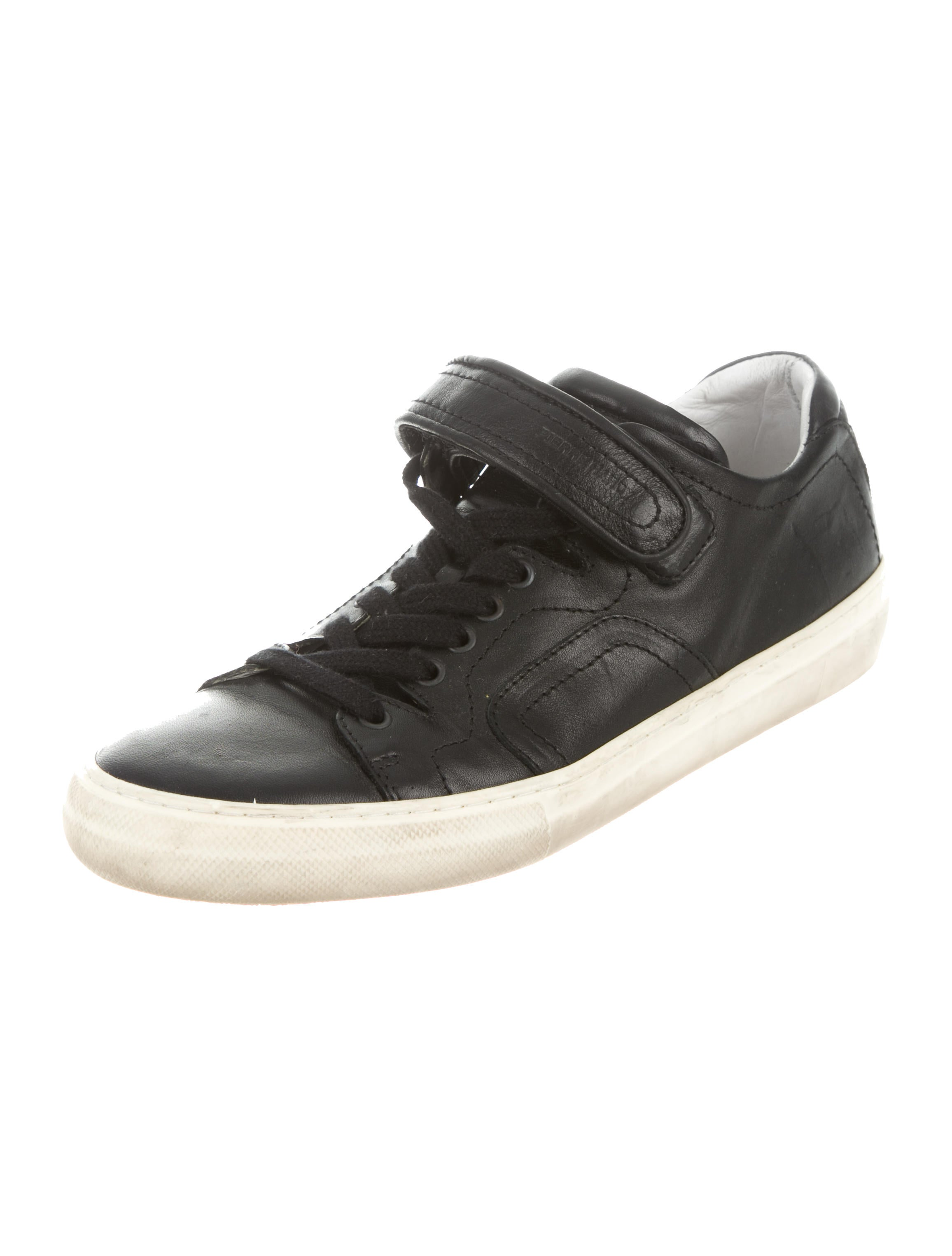 pierre hardy leather low top sneakers shoes pie23737 the realreal. Black Bedroom Furniture Sets. Home Design Ideas