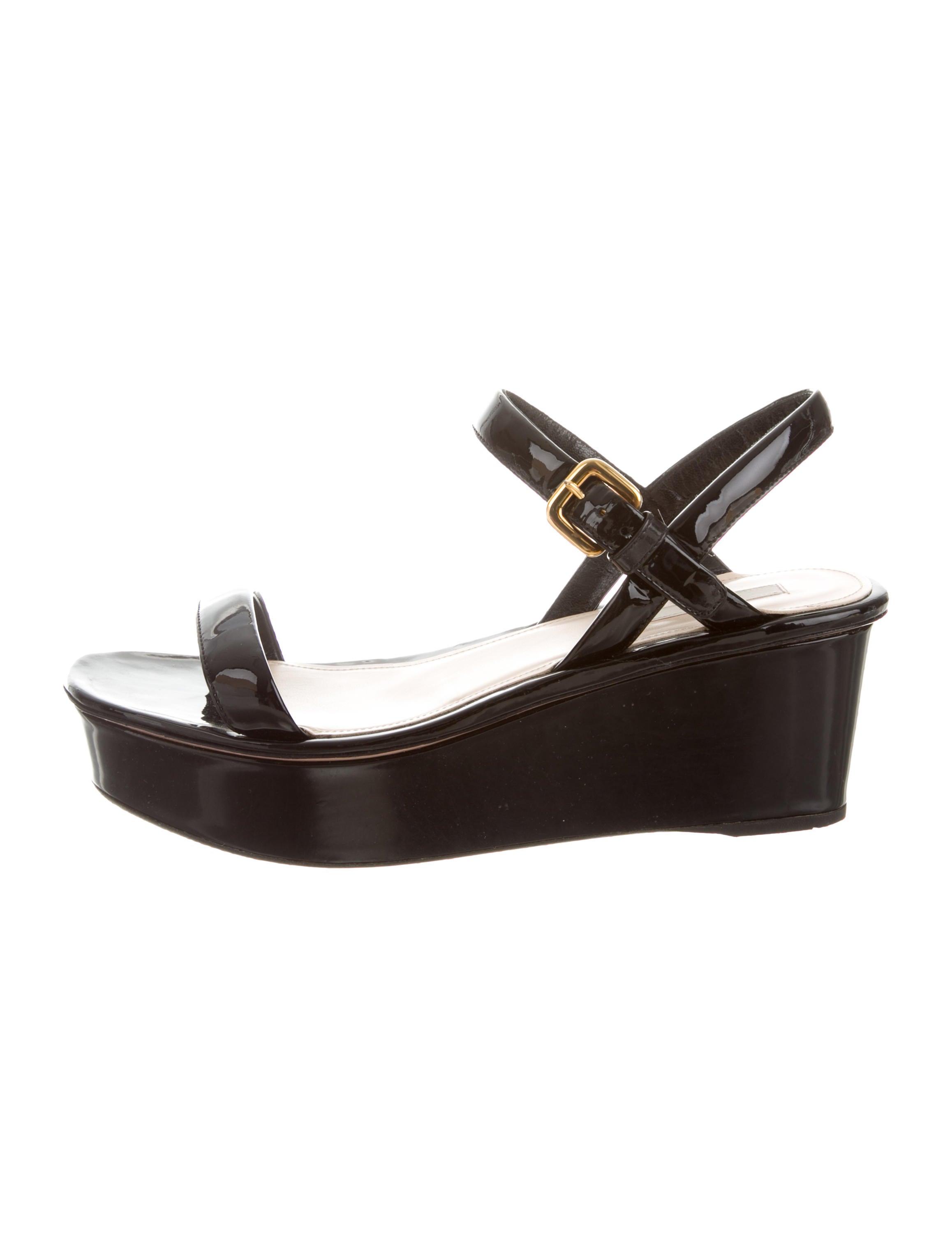 prada patent leather platform sandals shoes pra106066