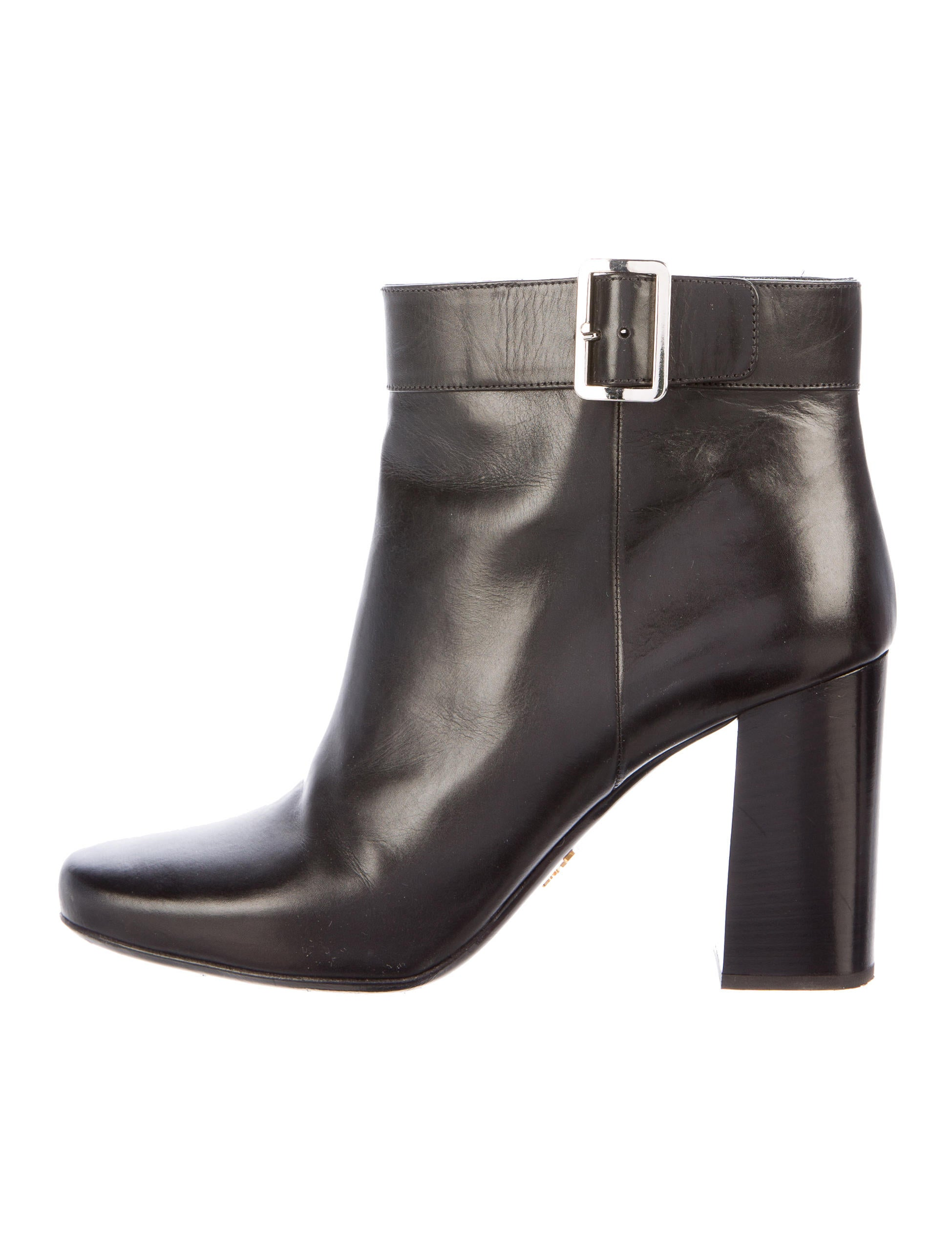 Prada Leather Round Toe Ankle Boots Shoes PRA123478  : PRA1234781enlarged from www.therealreal.com size 1949 x 2571 jpeg 249kB