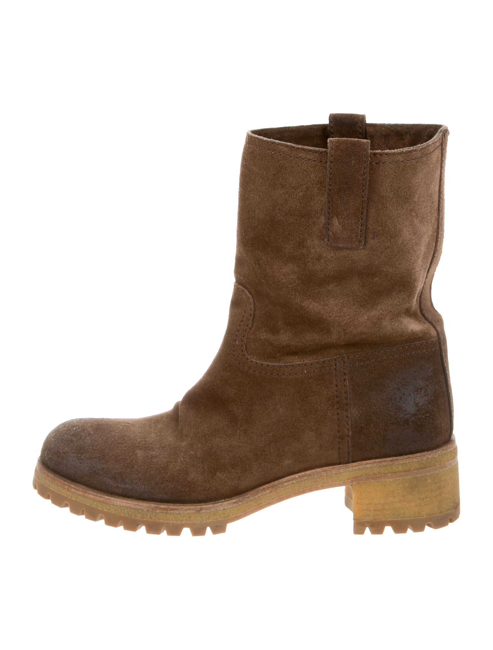 Find suede ankle boot no heel at ShopStyle. Shop the latest collection of suede ankle boot no heel from the most popular stores - all in one place.