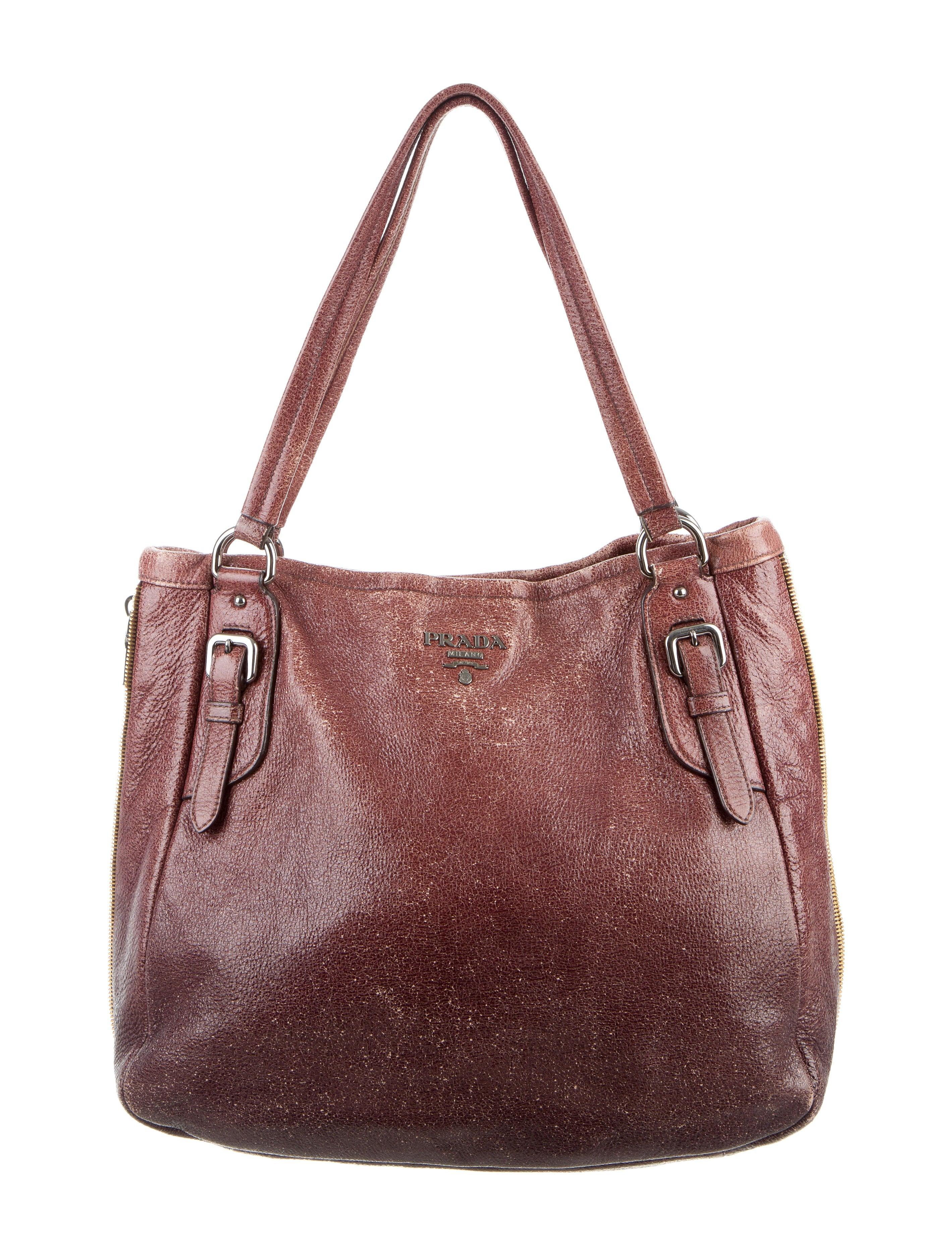 3d373931ca23 ... australia prada cervo lux tote handbags pra137032 the realreal 3cc3b  ea790