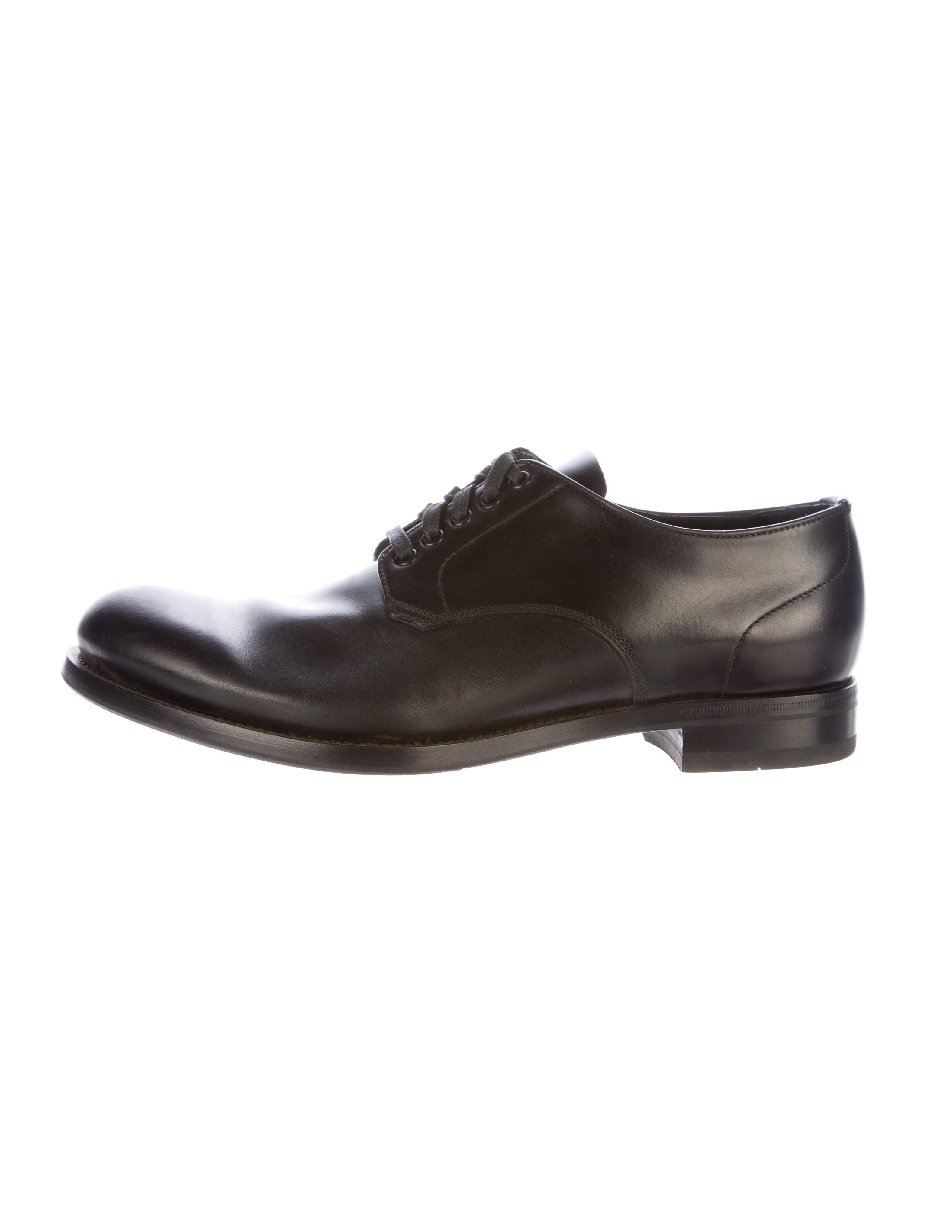 prada leather derby shoes shoes pra137970 the realreal