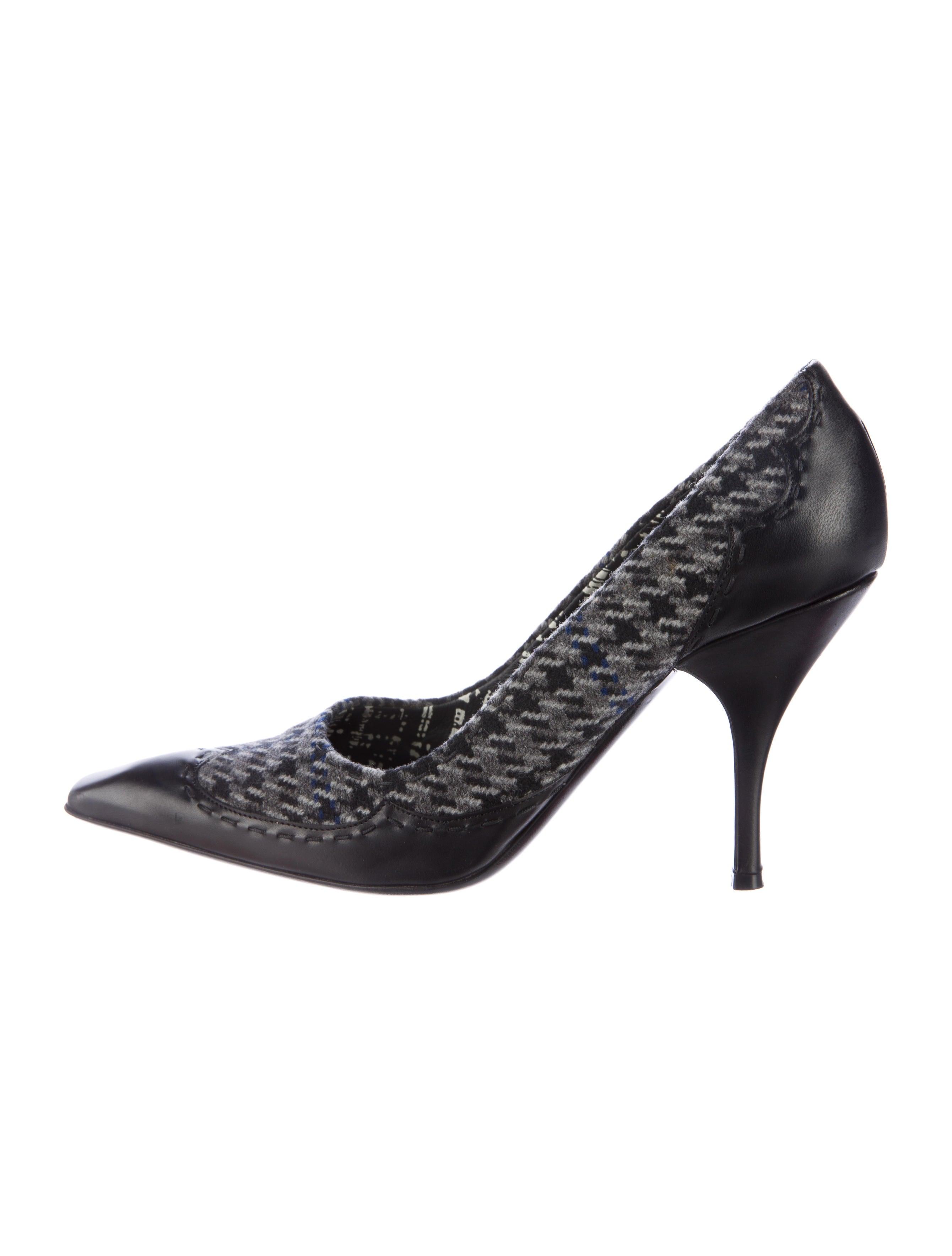 74f1d9a4a02 Prada Leather Houndstooth Pumps - Shoes - PRA145963