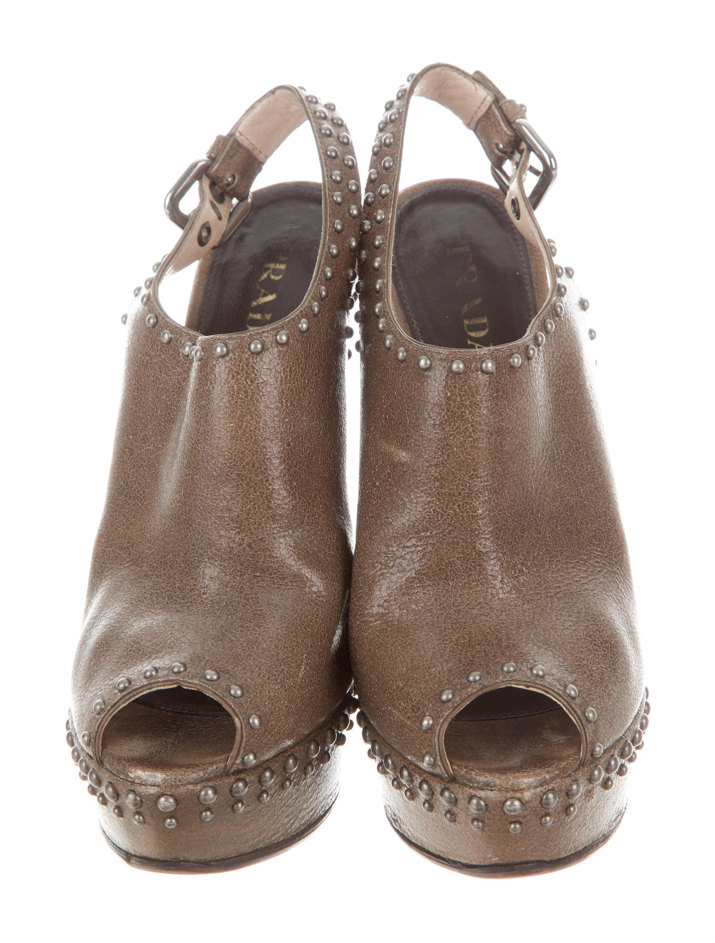 Prada Studded Platform Sandals Shoes Pra158199 The