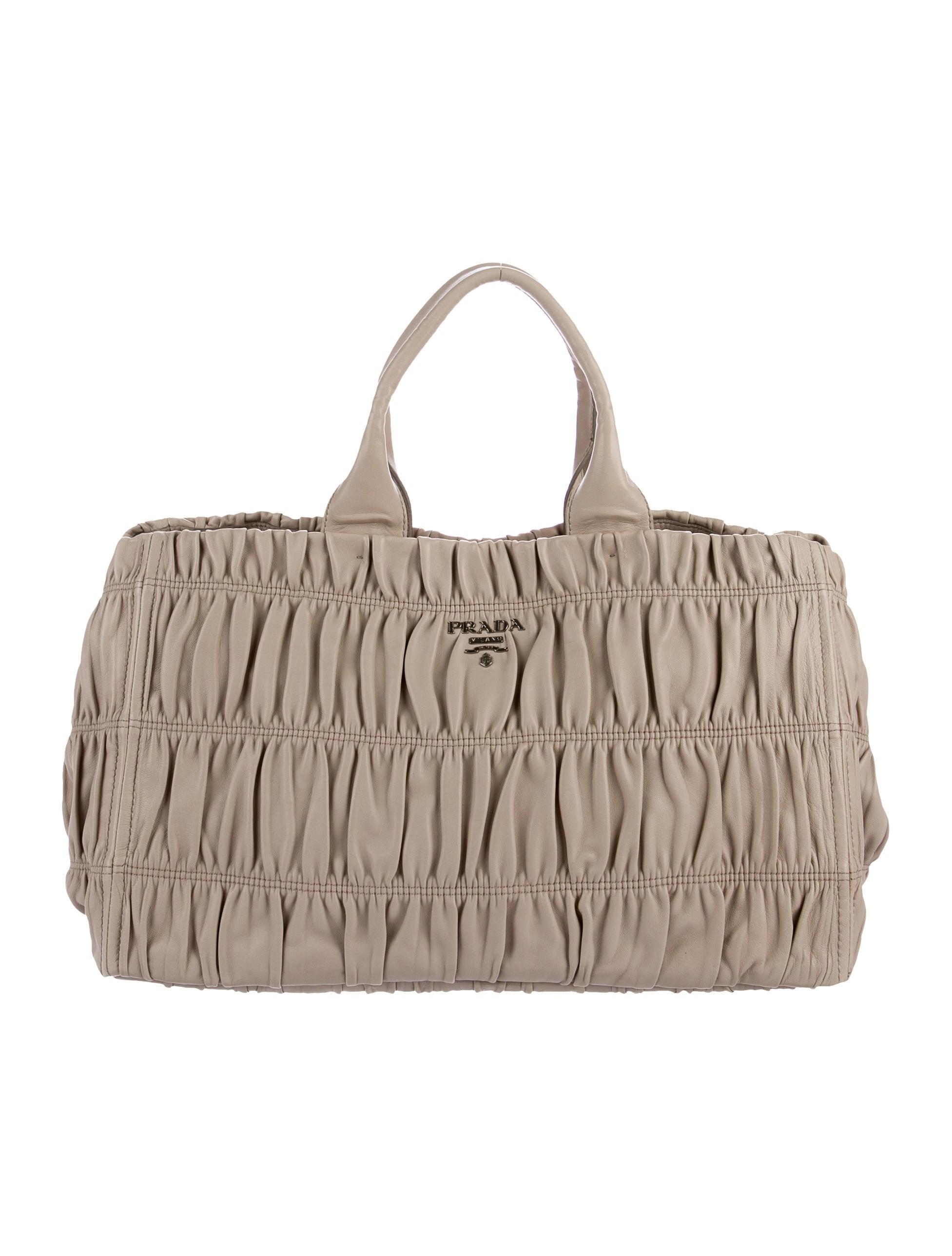 376986925481 Prada Nappa Gaufre Tote - Handbags - PRA159556   The RealReal