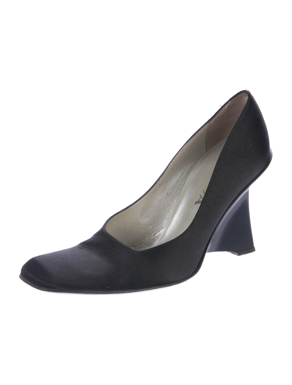 prada satin wedge pumps shoes pra162991 the realreal