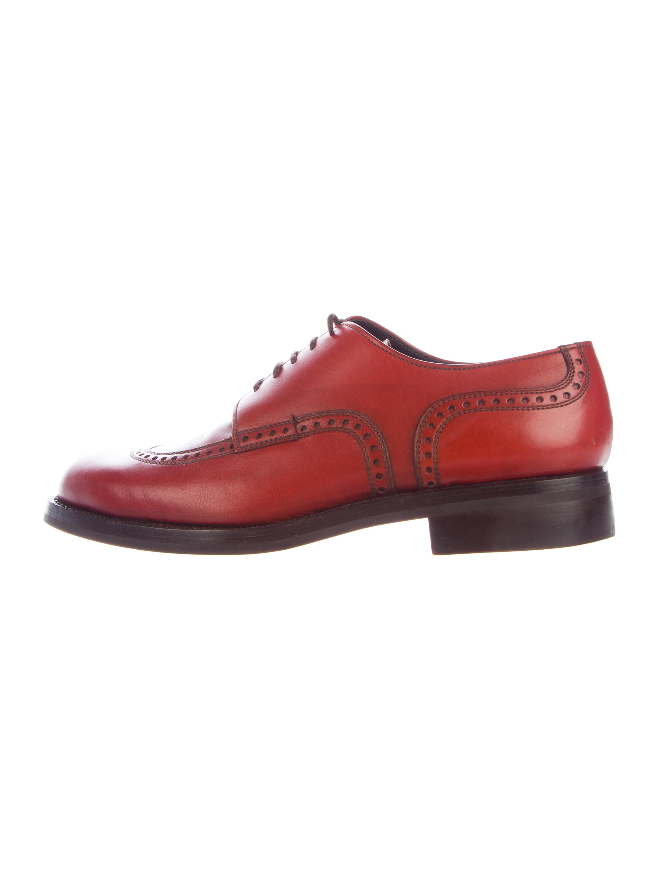 prada leather derby shoes shoes pra164561 the realreal