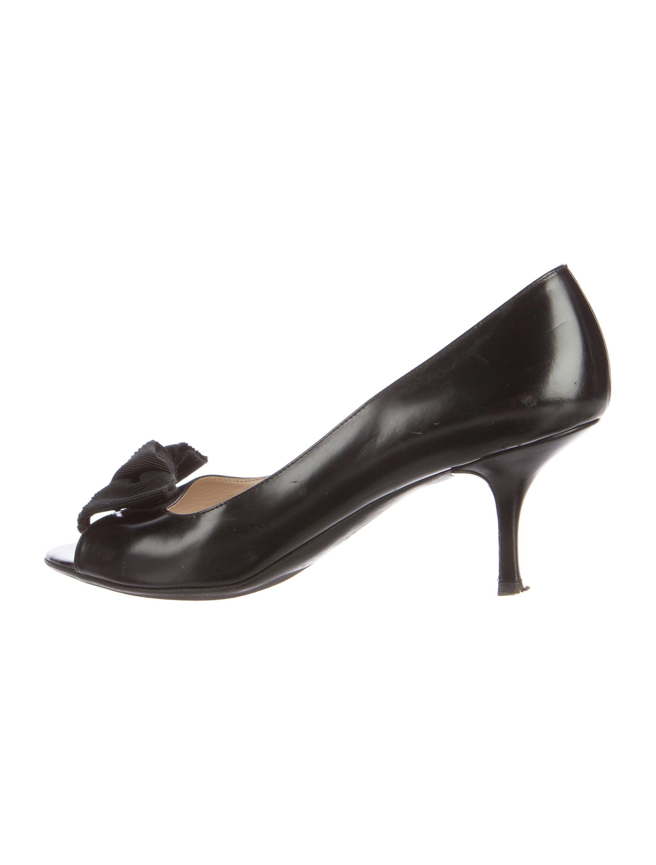 for sale buy authentic online free shipping reliable Prada Leather Bow-Accented Pumps 2015 online cheap low shipping order for sale wJqChApGCO