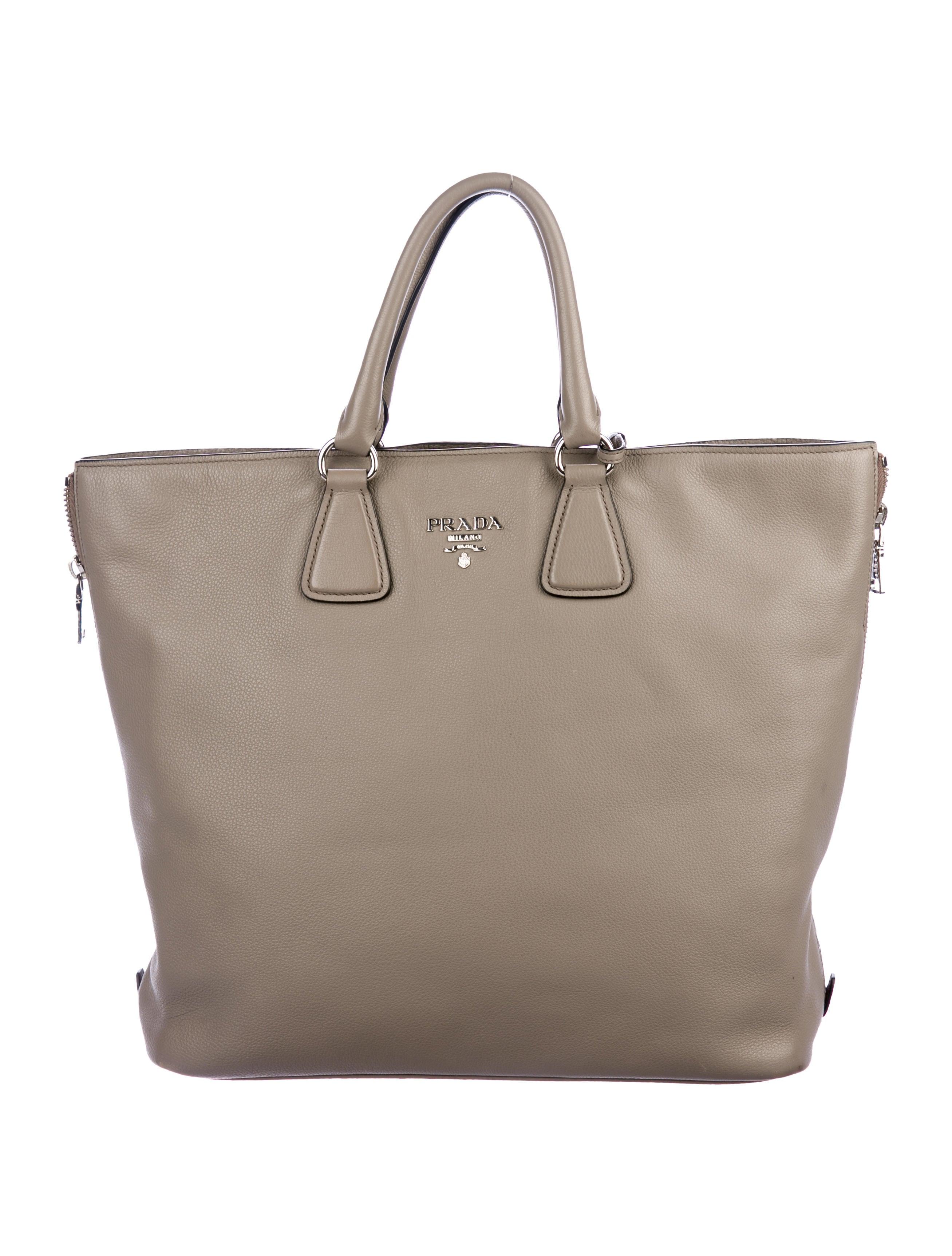 2675da4b4361 Prada Vitello Daino Shopper Tote - Handbags - PRA224769 | The RealReal