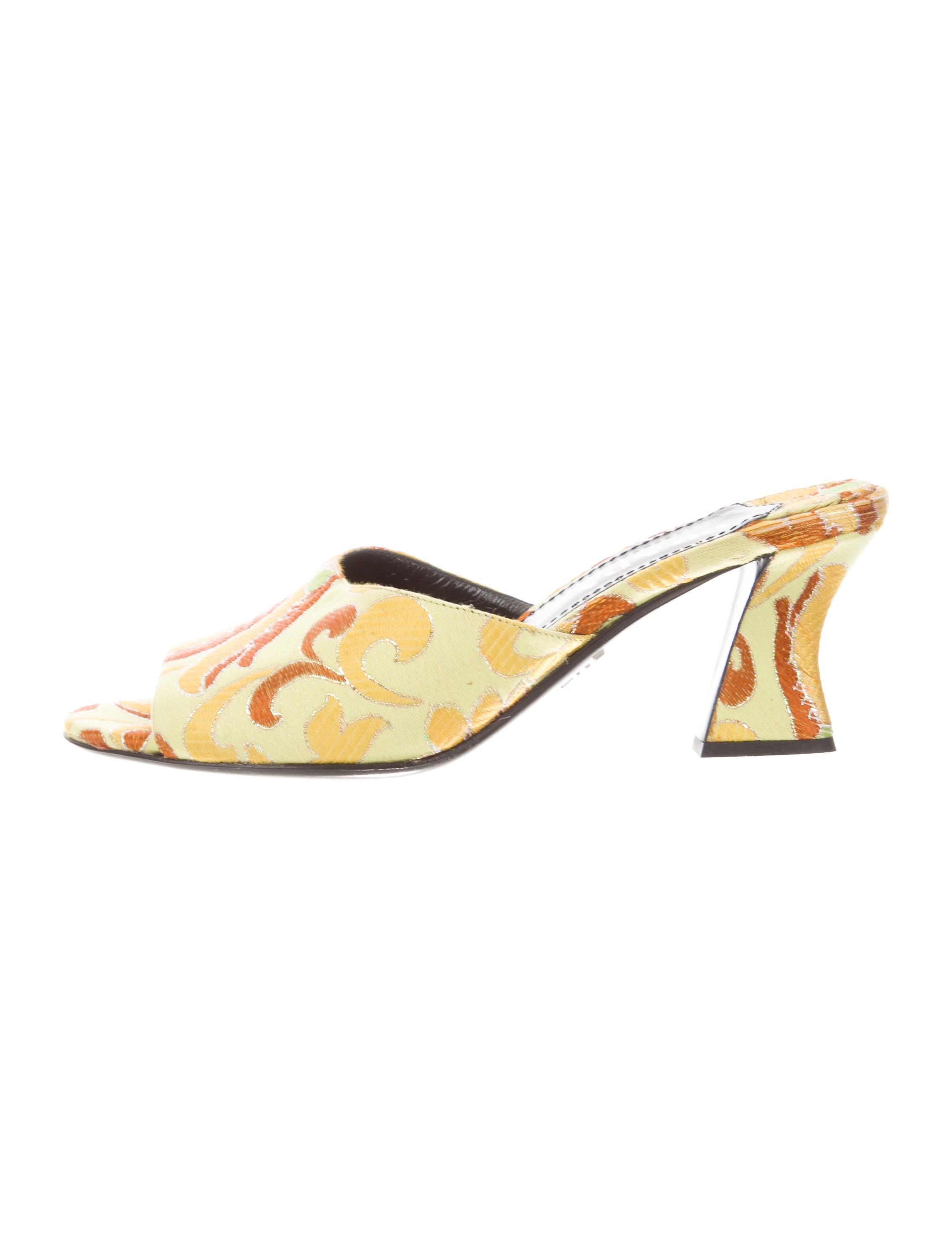 ac4b90ef199 Prada Embroidered Mid-Heel Sandals - Shoes - PRA232983