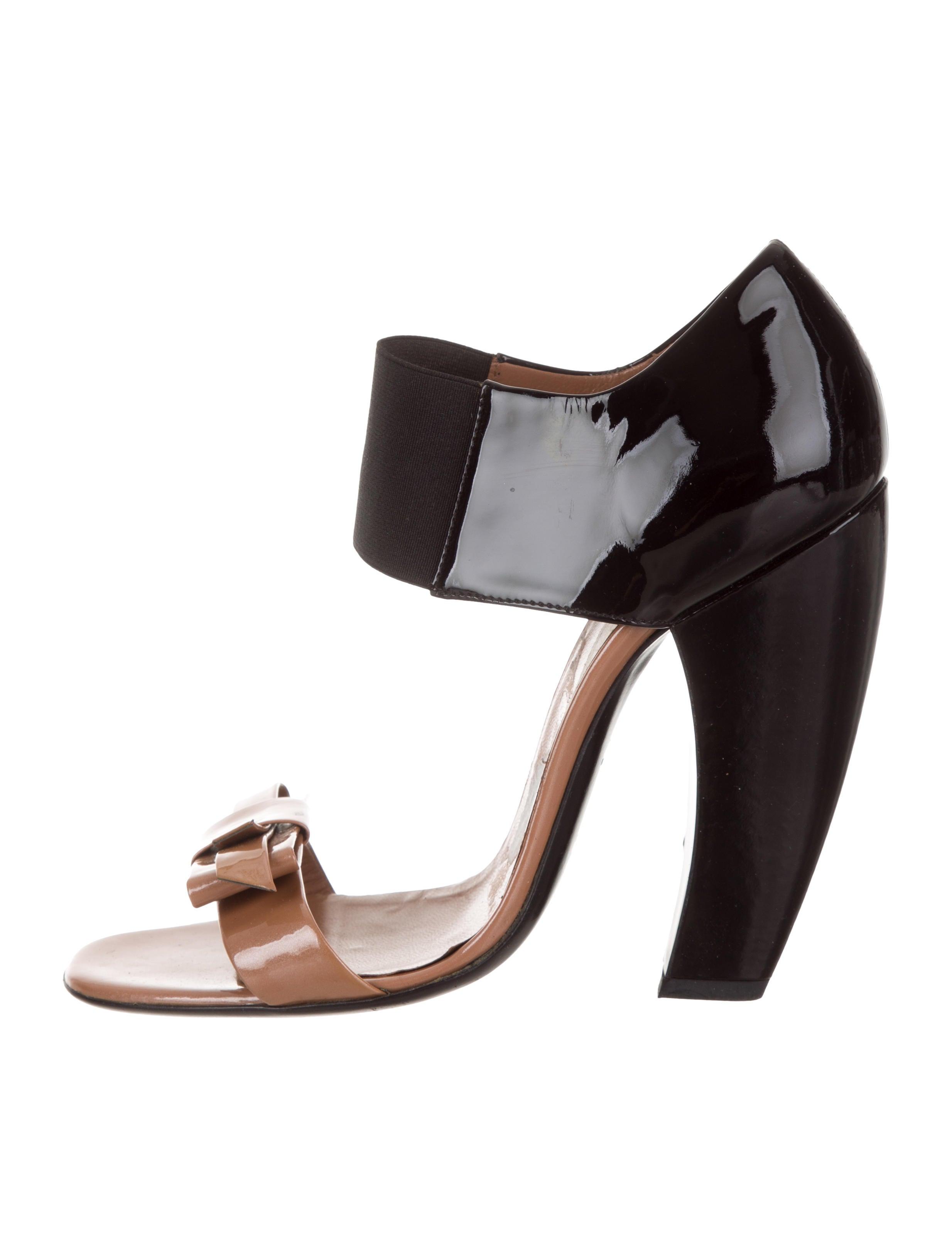 Prada Patent Leather Bicolor Sandals Shoes Pra274168