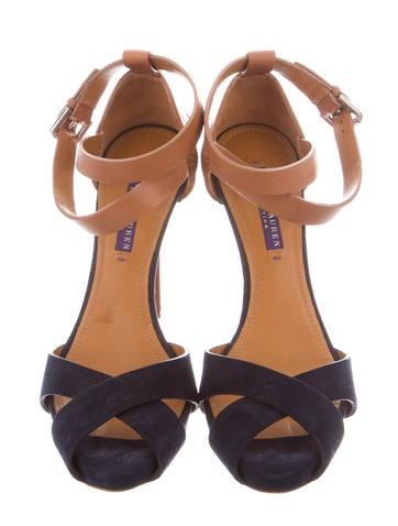 Platform Crossover Sandals