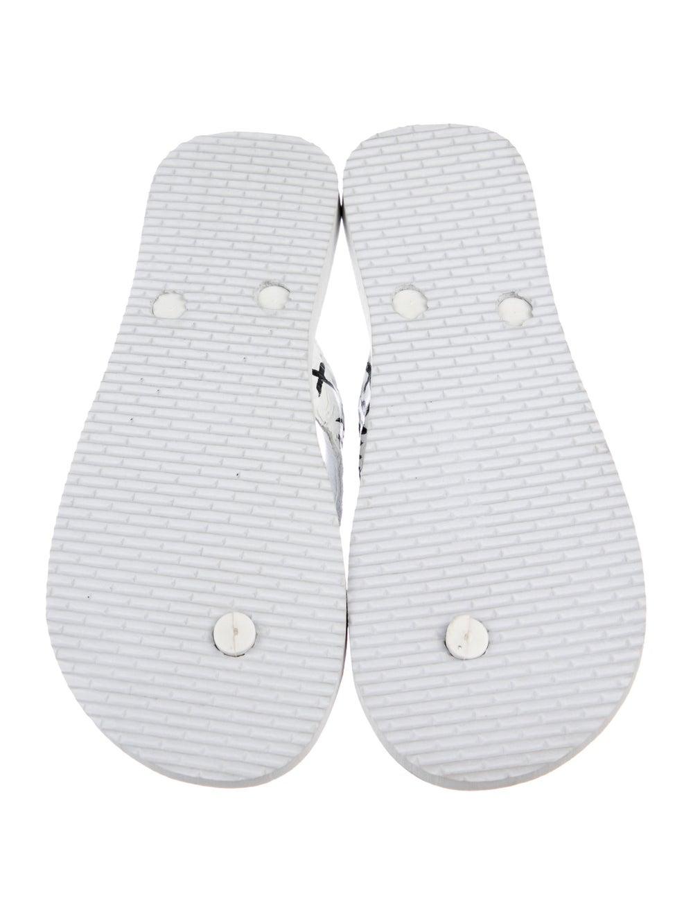 Rhonda Ochs Crocodile Thong Sandals White - image 5