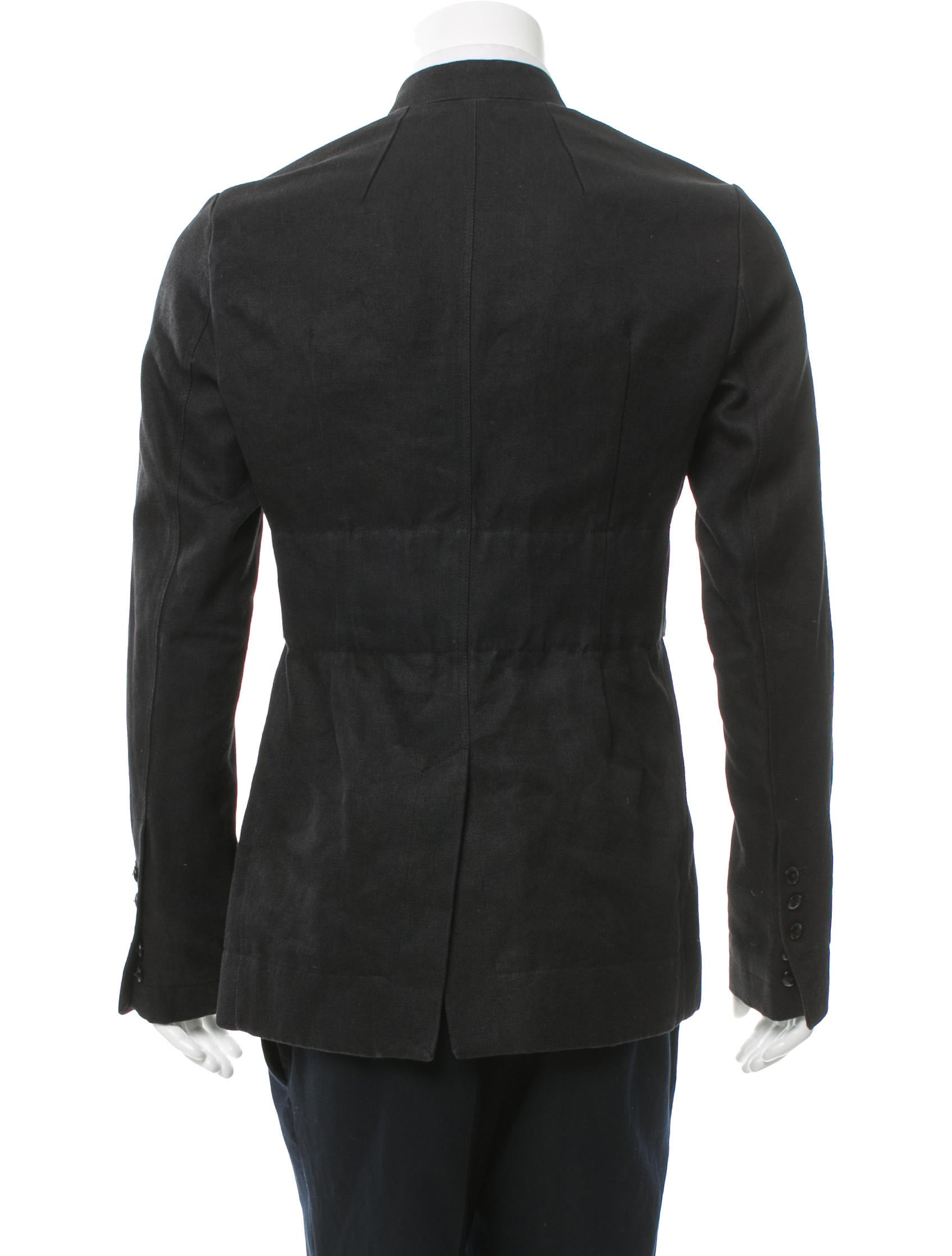 Eileen Fisher's jackets are current classics, so we can wear them for several fbcpmhoe.cf each season she picks out one style to emphasise. And this season it has a shawl collar. Style details: long lapels down to a single button, and lapels about 1/3 the width of the shoulders.
