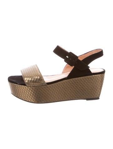 Metallic Flatform Sandals