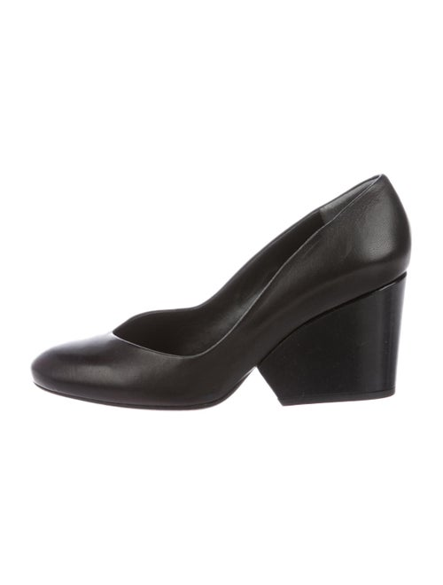 Robert Clergerie Tessy Leather Pumps Black