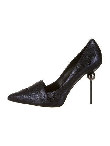 Roger Vivier Pumps None
