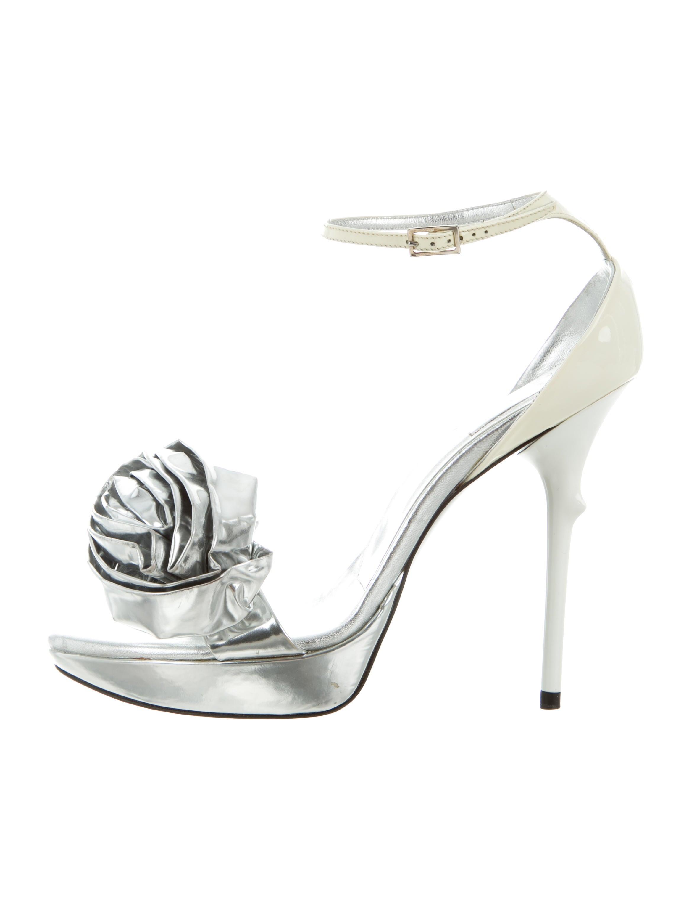 sale big discount Roger Vivier Metallic Ankle Strap Sandals buy cheap buy outlet purchase discount 2014 KijSsudt