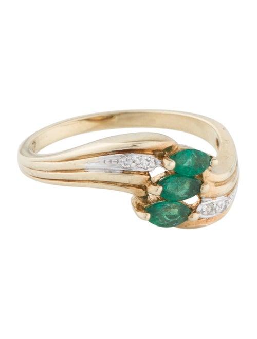 14K Emerald & Diamond Ring yellow